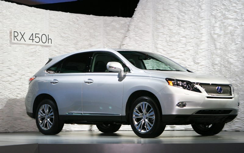 2010 Lexus RX 350 and RX 450h Push Bland to New Heights