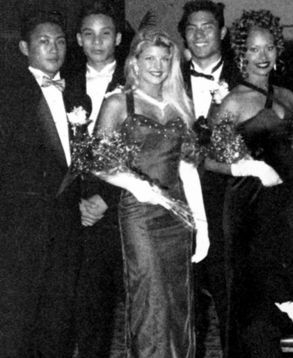 We're Suckers For Random Celebrity Prom Pictures