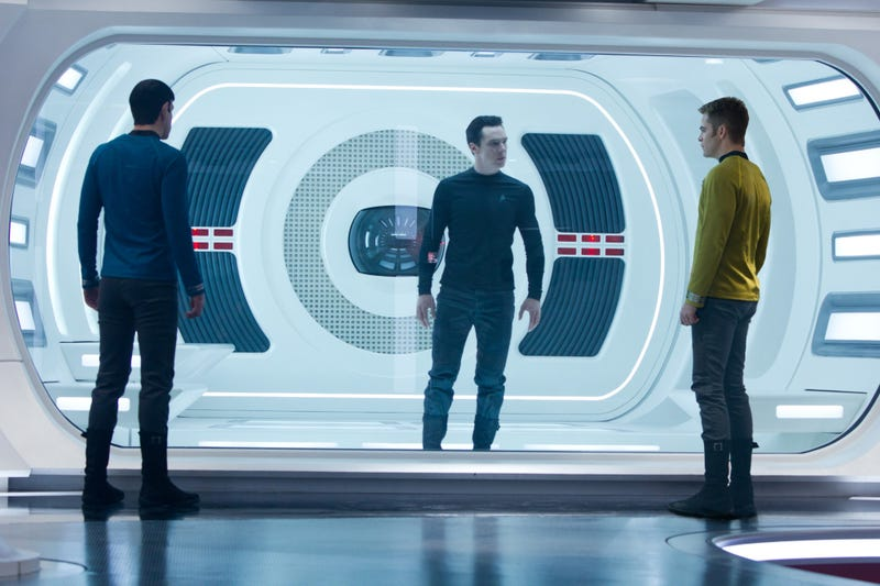 Star Trek Into Darkness Review: Small Time Fun