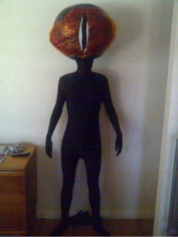 This Eye of Sauron cosplay will burn into your very soul