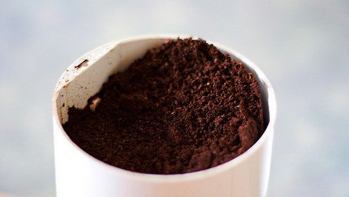 Use Coffee Grounds to Clean Sticky Tools