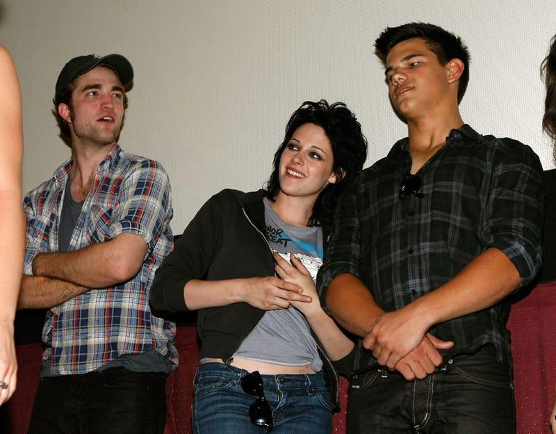Body Language Expert: Twilight Stars In Love