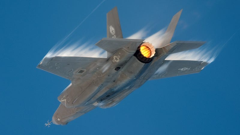 This F-35 On Afterburner Is Your Airporn Porn of the Day and My New Desktop Background