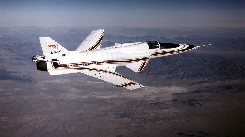 25 Bizarre Aircraft That Don't Look Like They Should Fly