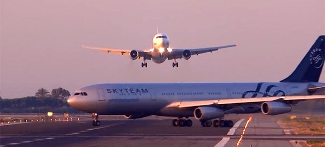 Video: Boeing 767 pilot avoids crash with Airbus A340 crossing runway