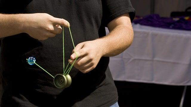 Six Yo-Yo Masters Performing Mind-Bending String Feats