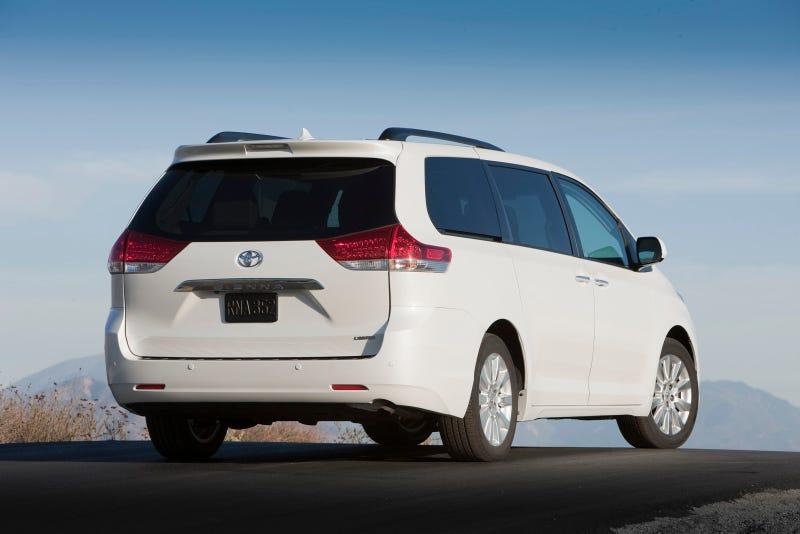 2011 Toyota Sienna: First Drive