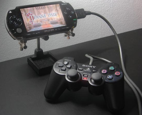 PSP Plays Better With DualShock