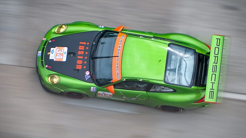 Your ridiculously cool Porsche 911 GT3 Cup wallpaper is here