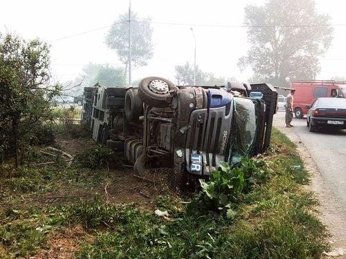 Crashed Land Rovers