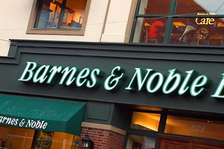 Barnes and Noble May Jump Into e-Reader Market