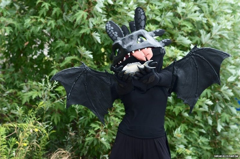 40+ Amazing Pieces of Dragon Art and Cosplay