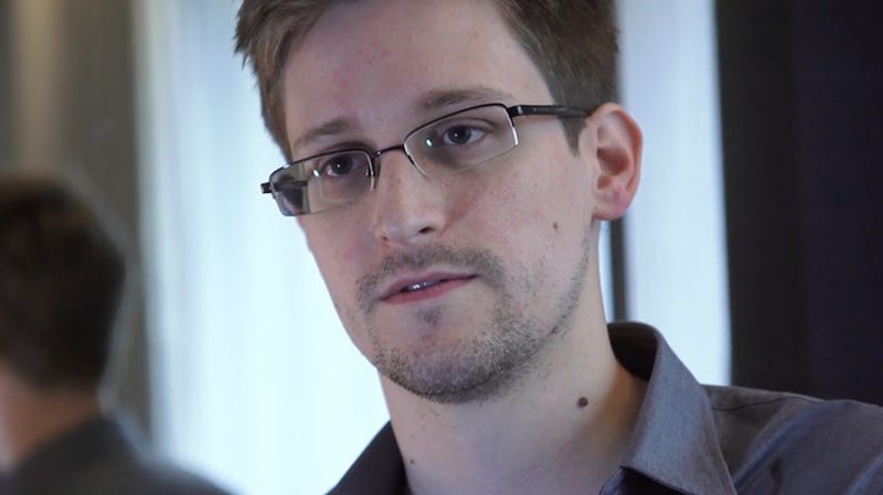 Edward Snowden Is On His Way To Moscow With Help From Wikileaks