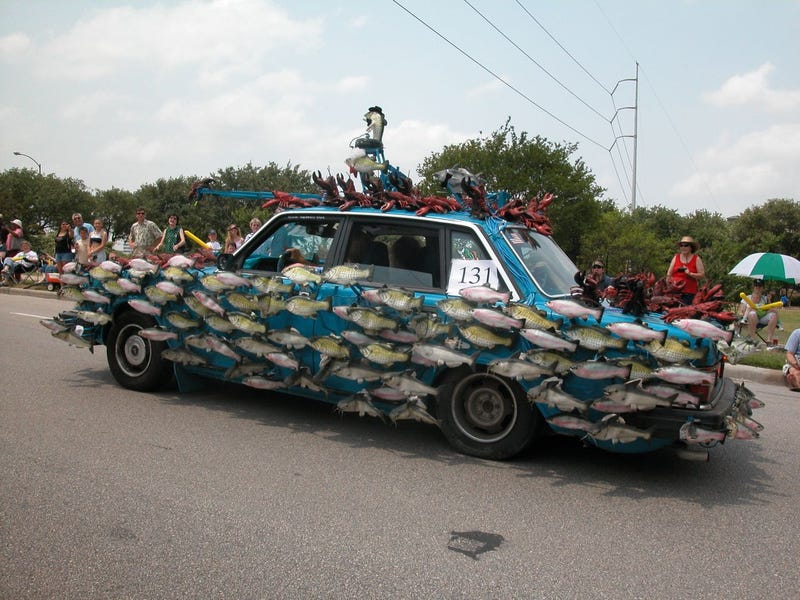 Volvo 244 Becomes The Sashimi Tabernacle Choir!