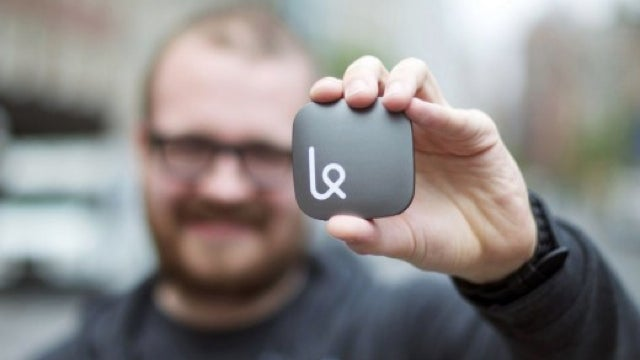 The Mobile Hotspot That Discourages Bandwidth Hoarding