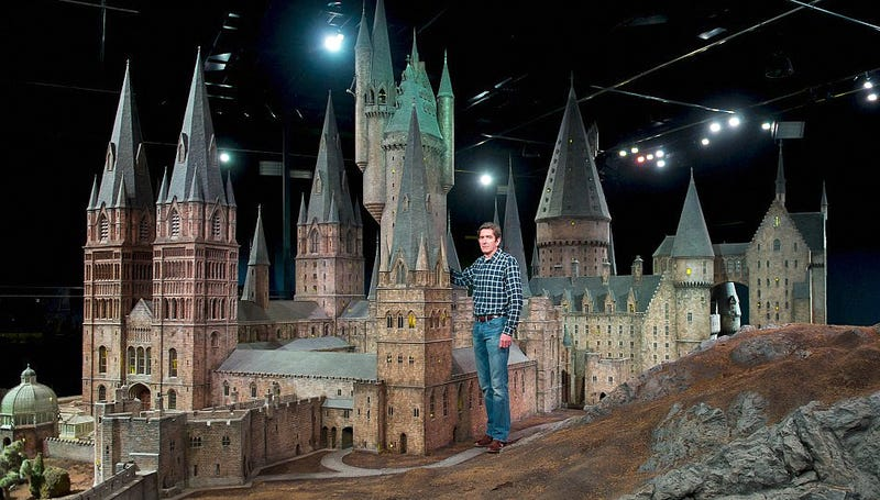 I'd Live in This Incredibly Detailed Hogwarts Castle Model