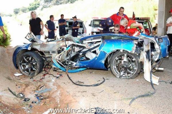 World's Fastest Super Car Crashes