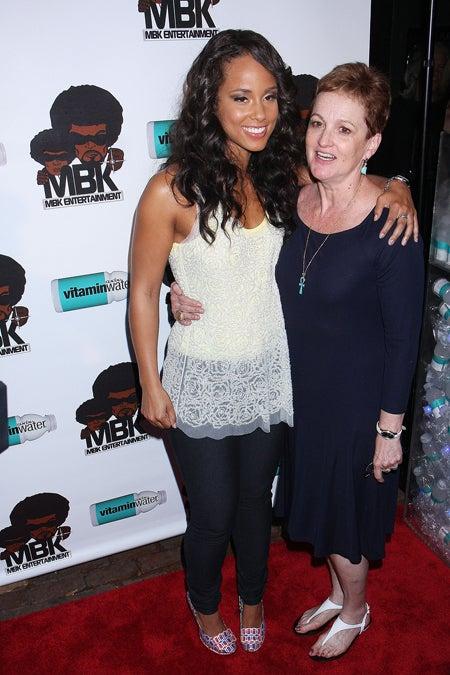 Alicia Keys & Her Mom Get A Grip