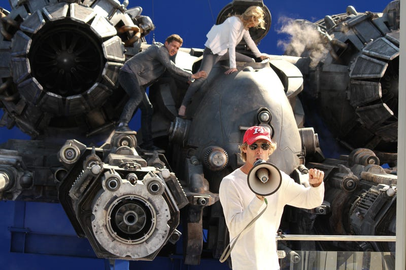 What do you think Michael Bay is saying in this Transformers 3 set pic?