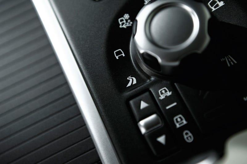 2010 Range Rover Sport Gets 510 HP Supercharged V8