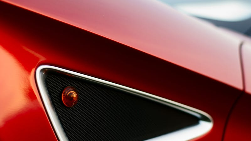 Your Ridiculously Awesome Alfa Romeo 8C Wallpaper Is Here