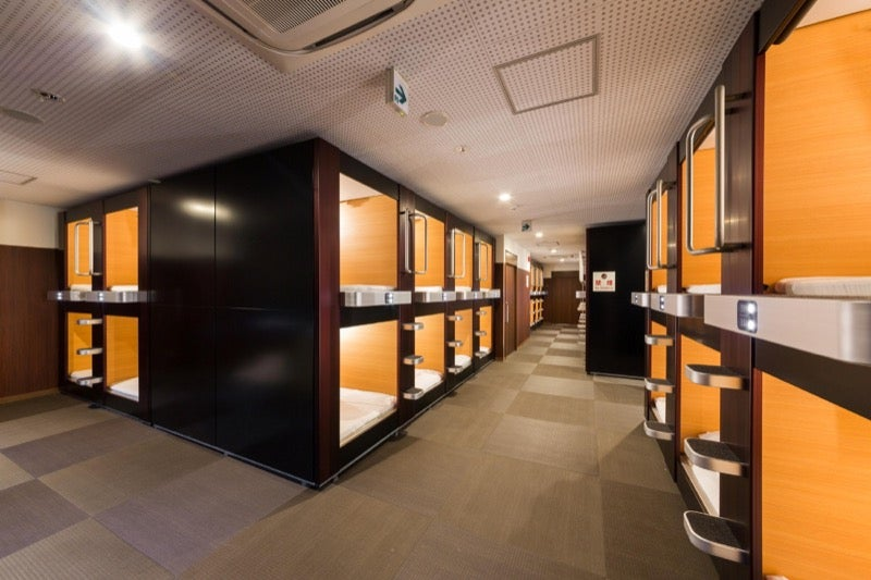 Japan 39 s coolest looking capsule hotels for Hotel francs tokyo