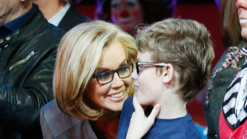 Pro-Vaxxers Troll Jenny McCarthy's Twitter for 5 Days and Counting