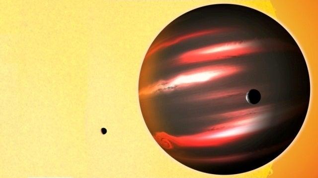Strange alien planet is impossibly black