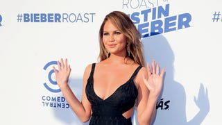Saturday Night Social: Chrissy Teigen Will Stop Editing Her Pics