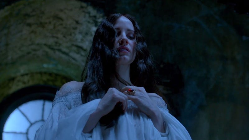 Guillermo del Toro's Crimson Peak Is So Beautiful, It'll Drive You Slightly Mad