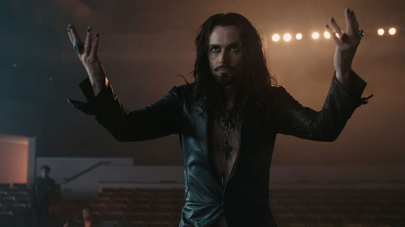 David Tennant gives great Criss Angel in new Fright Night stills