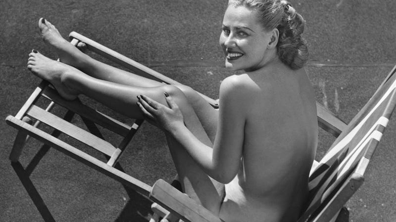 Women Reach Peak Nudity-Happiness at Age 34