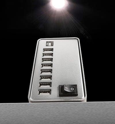 16-Port USB Hub Has Classy Aluminum-Like Fascia