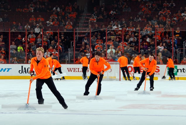 Flyers Fans Boo Ice Guys For Not Being Ice Girls