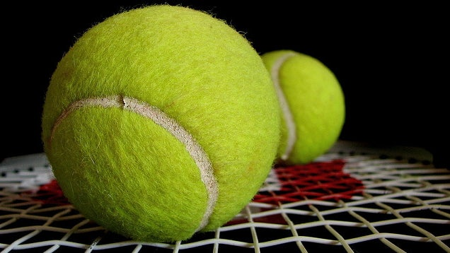 Carry a Pair of Tennis Balls in Your Gym Bag to Relieve Soreness