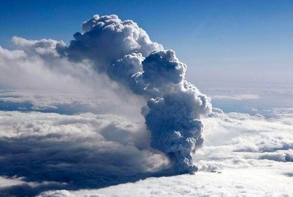 How Volcanic Ash Can Kill An Airplane