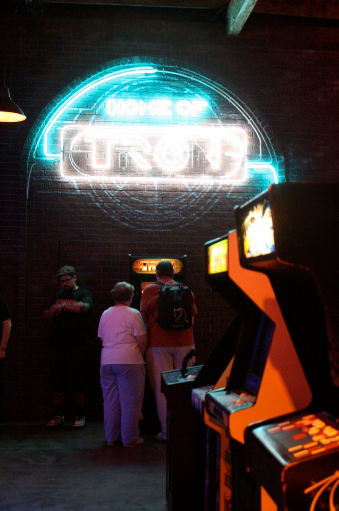 io9 Visits Flynn's Arcade, Gets First Look At New Light Cycle