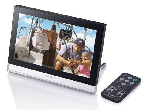 Sony Vaio Photo Frame Brings Internet Radio, RSS News to Your Mantlepiece