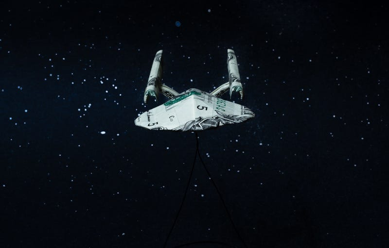 Amazing Origami Star Trek, Star Wars Spaceships Make Good Use of Dollars