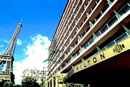 Hilton Makes A PSP Game For Employees, Employees Play It