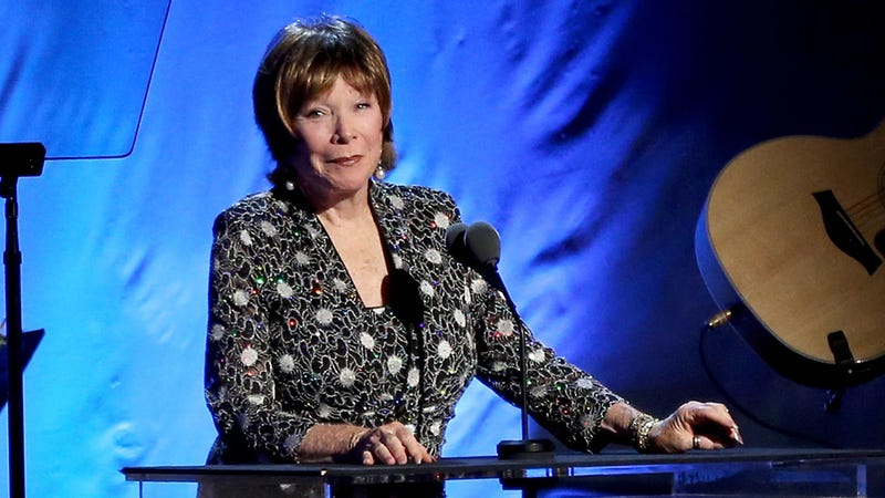 Shirley Maclaine on Downton Abbey: Women of That Time Couldn't Get It Together Without a Couple of Servants