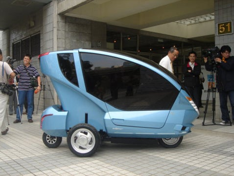 Ecooter To Revolutionize Transportation, Does Not Look Like Ben Jones