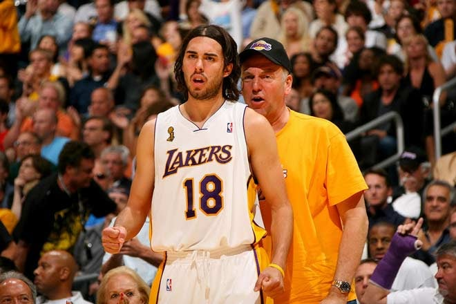 Sasha Vujacic's New Best Pal