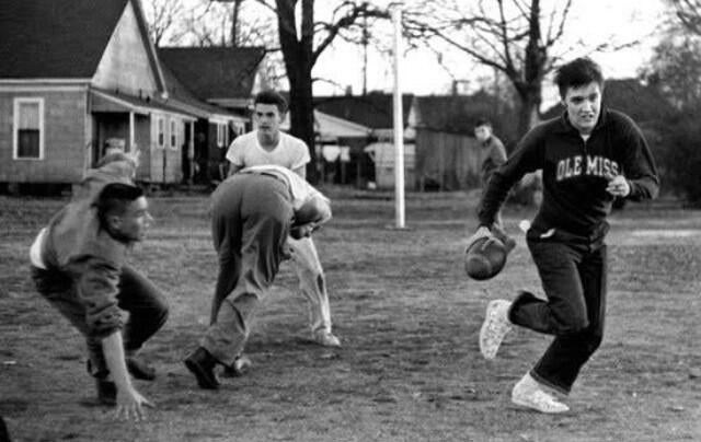 The 32 Rules of Thanksgiving Touch Football