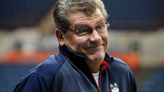 Geno Auriemma Thinks Men&#39