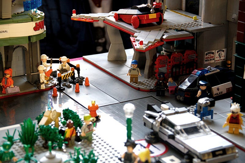 Lego Back to the Future Town Should Be Turned Into an Official Lego Set