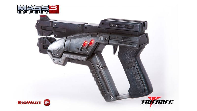 It's Almost Time to Preorder This Amazing $400 Mass Effect 3 M-3 Predator Pistol Replica