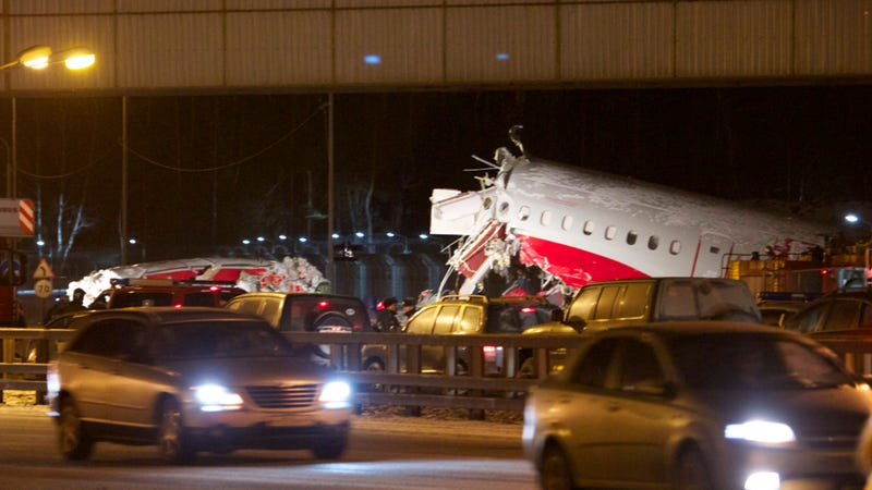 Russian Plane Crashes Into Highway After Failed Landing