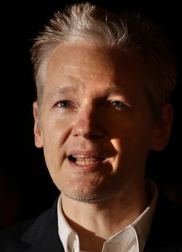 "Assange: ""I've Never Had A Problem Before With Women"""