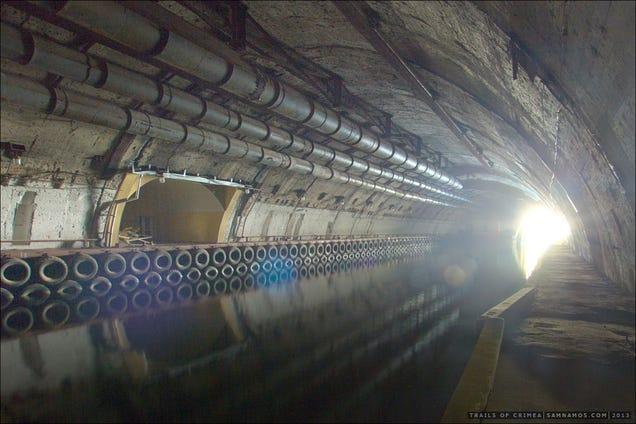 El distópico mundo de las bases de submarinos abandonadas 805315682876629933